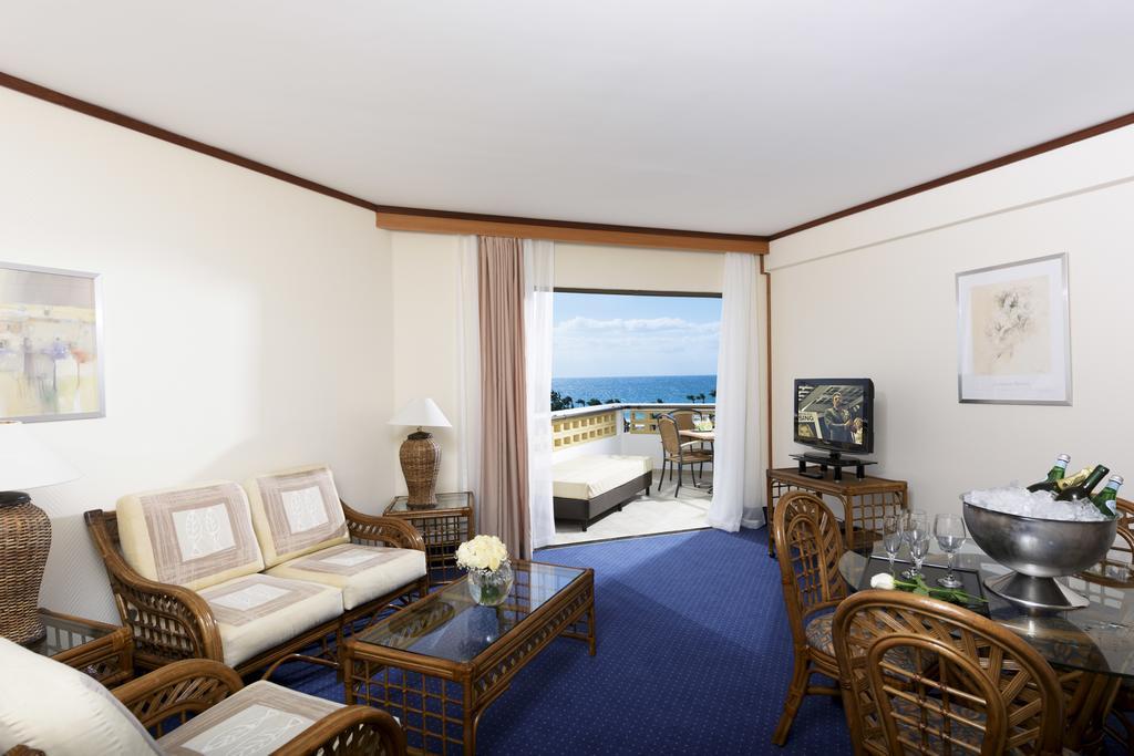 Пафос Constantinou Bros Athena Royal Beach Hotel цены