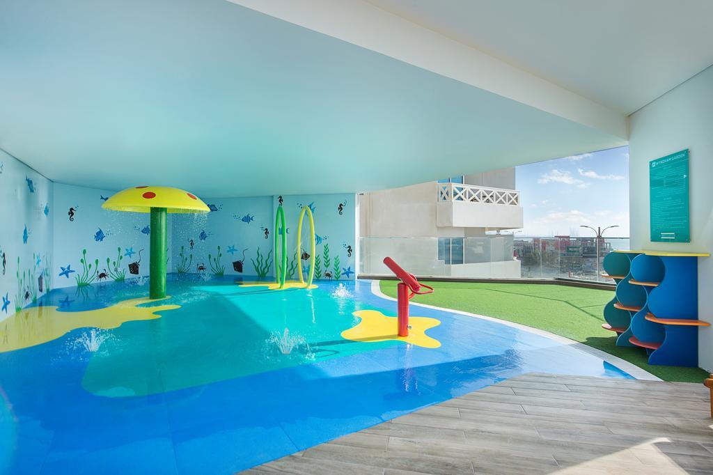Відпочинок в готелі Wyndham Garden Ajman Corniche Аджман