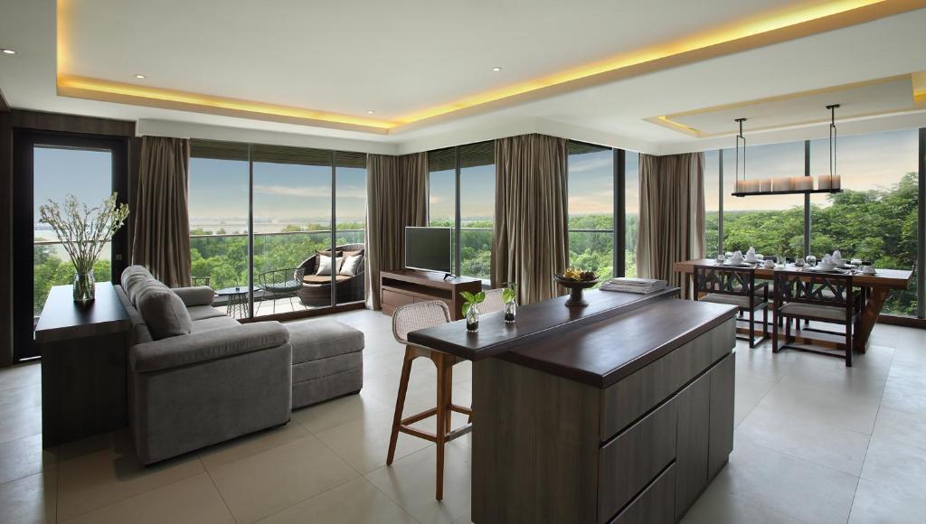Горящие туры в отель The Crystal Luxury Bay Resort Нуса-Дуа Индонезия