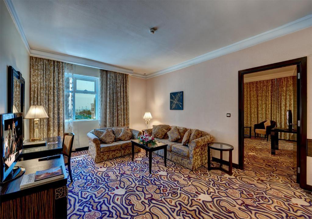 Фото отеля Sharjah Palace Hotel