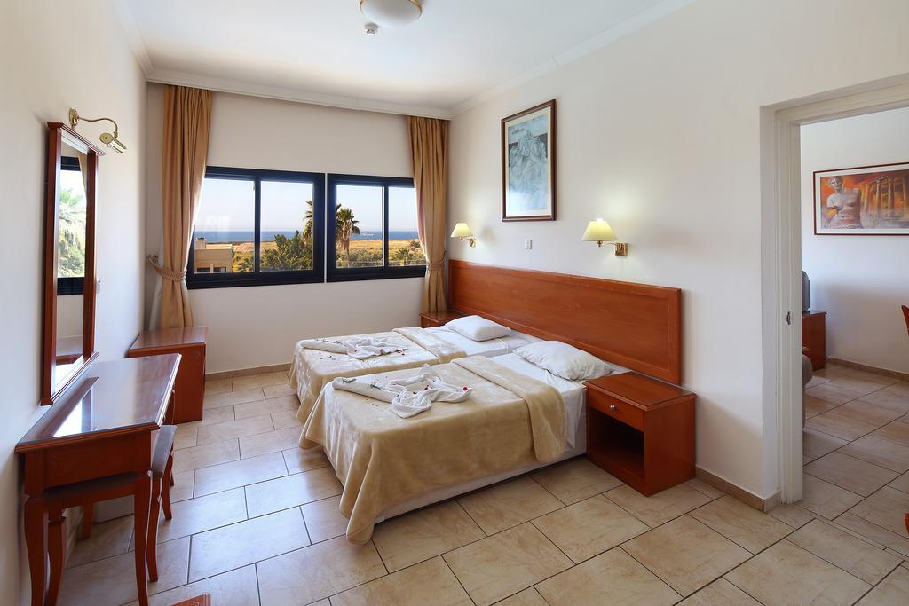 Отдых в отеле Panareti Coral Bay Hotel