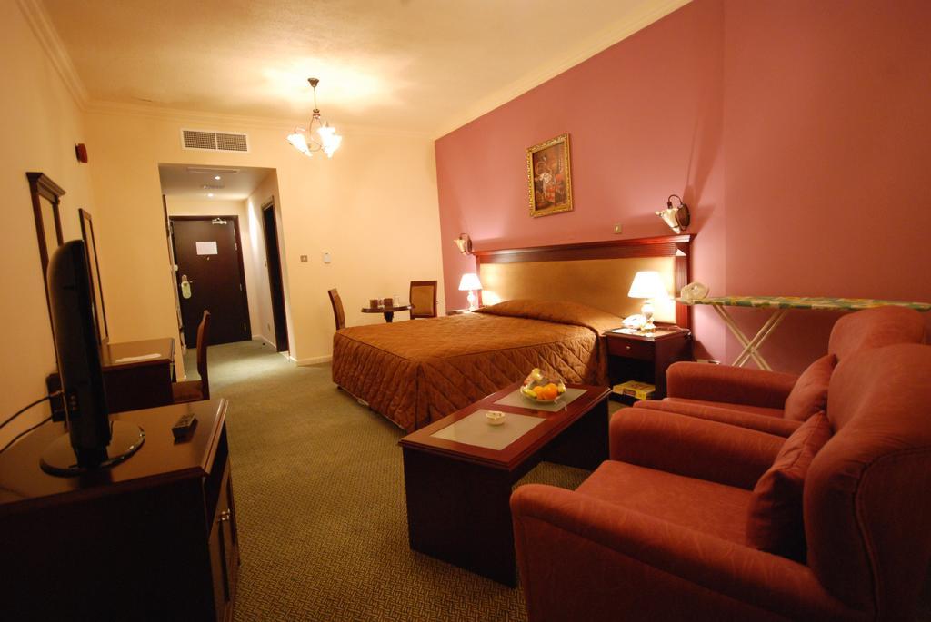 Отзывы гостей отеля Al Bustan Hotel Sharjah