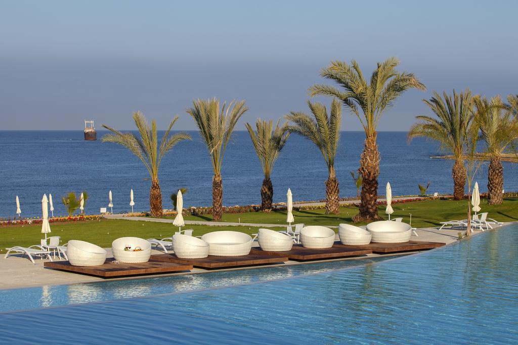 Горящие туры в отель King Evelthon Beach Hotel Пафос Кипр