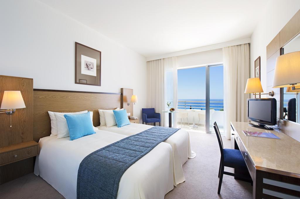 Отзывы гостей отеля Mediterranean Beach Hotel