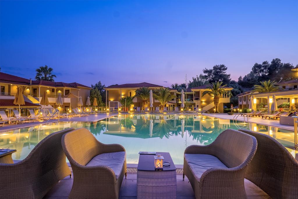 Відпочинок в готелі Lagomandra Beach Hotel