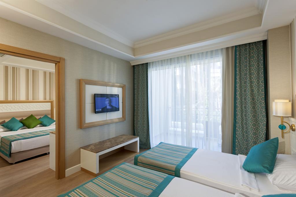 Тури в готель Karmir Resort & Spa Кемер