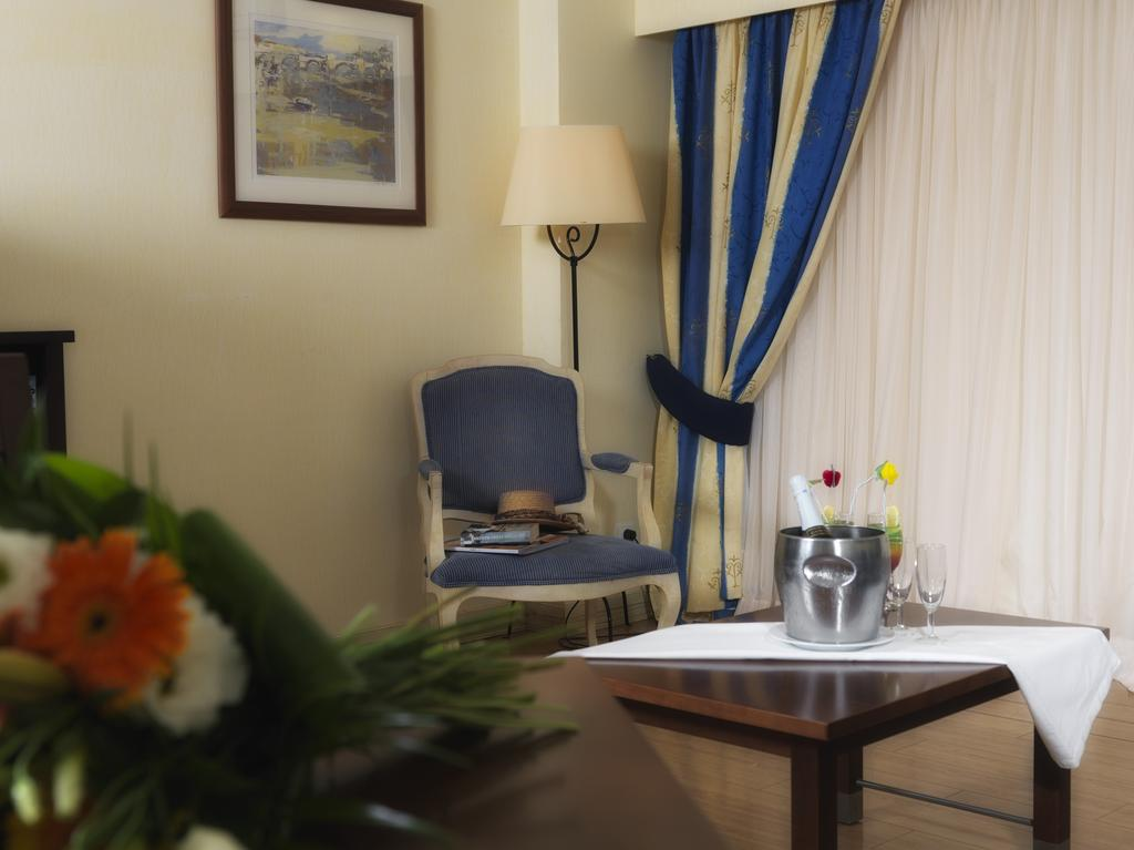 Тури в готель Yellow Monte Gordo Монте-Горду