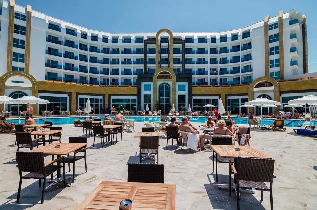 The Lumos Deluxe Resort & Spa, фотограції туристів