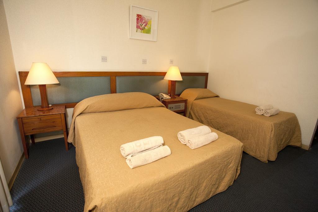 Горящие туры в отель Pefkos Hotel Лимассол Кипр
