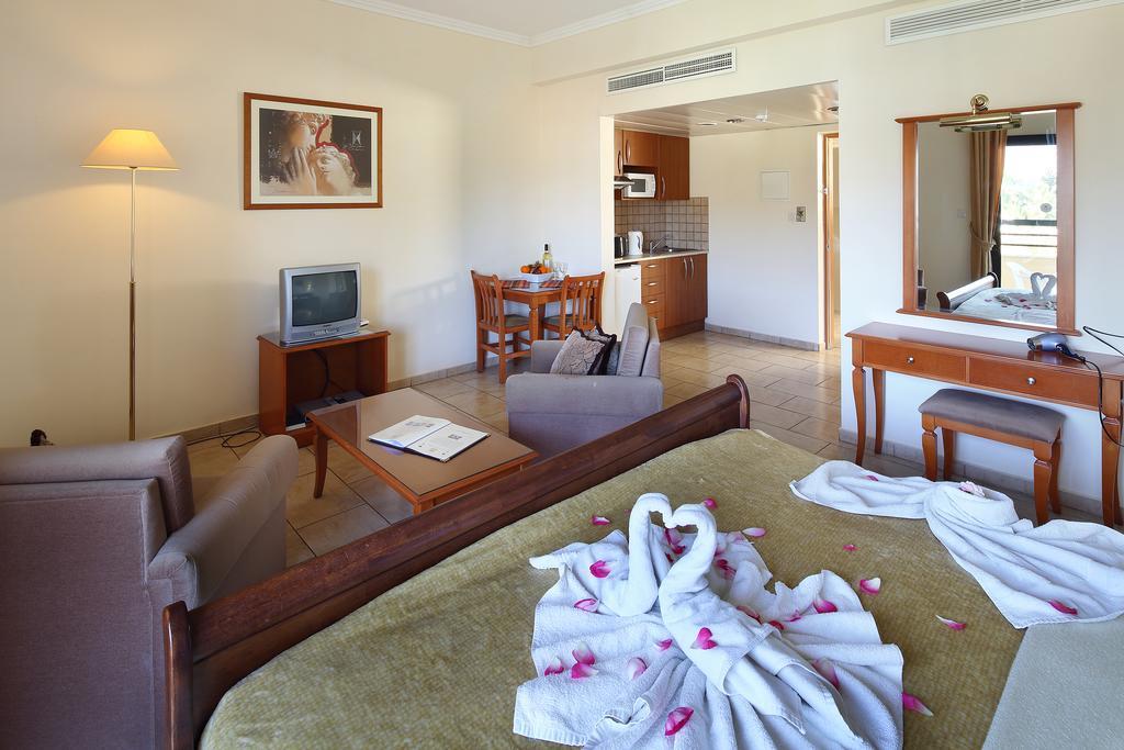 Фото отеля Panareti Coral Bay Hotel