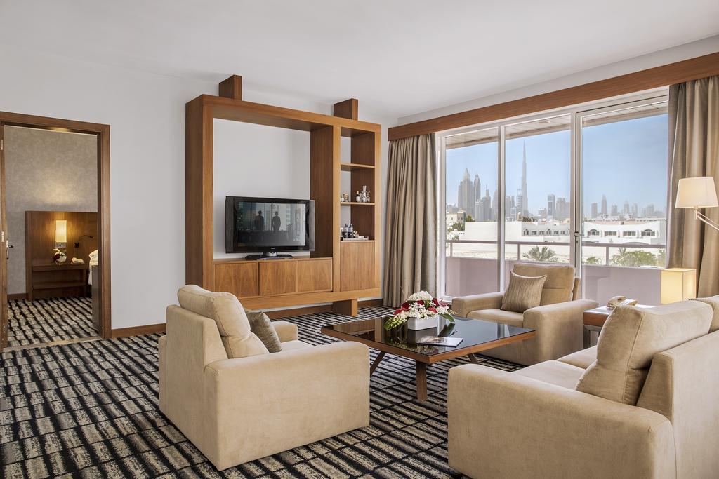 ОАЕ Jumeirah Rotana Hotel