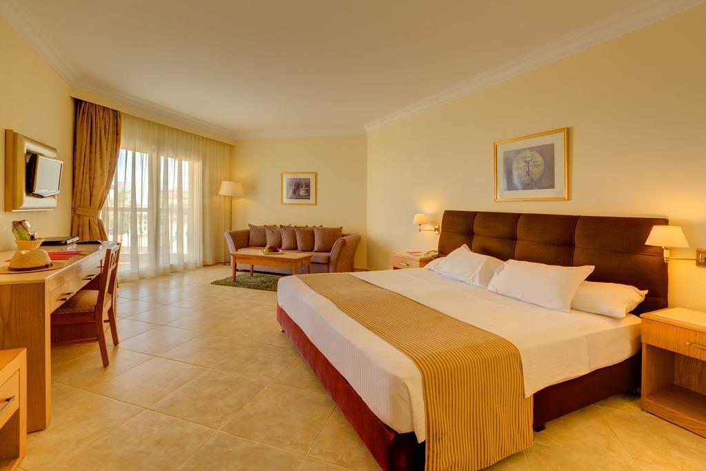 Aurora Oriental Resort (Ex. Oriental Resort), фотограції туристів