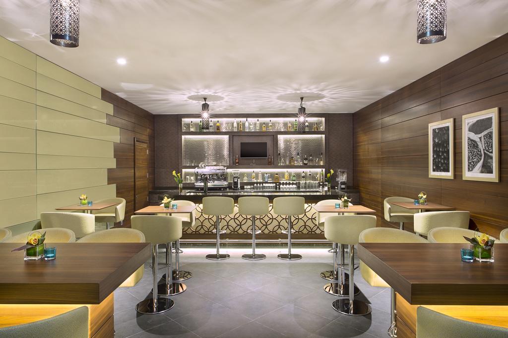 Горящие туры в отель Hilton Garden Inn Dubai Al Muraqabat Дубай (город)