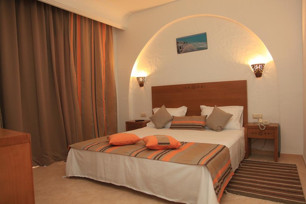 Отдых в отеле Menara Hotel
