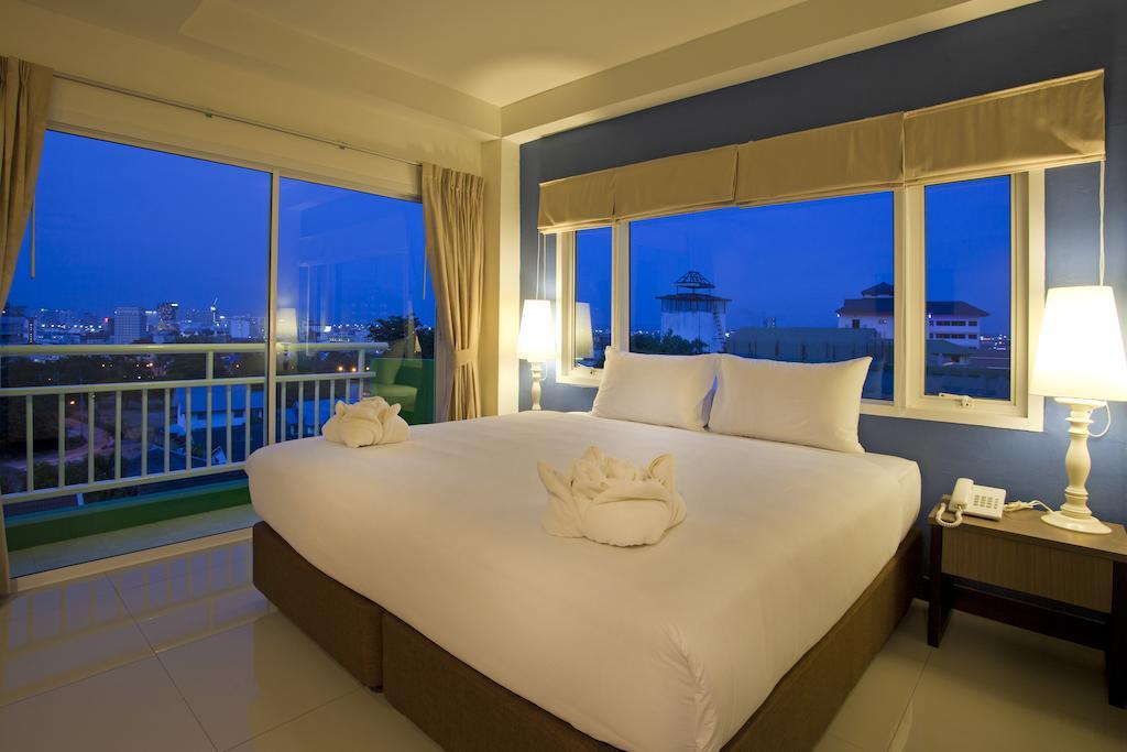 Wiz Hotel цена