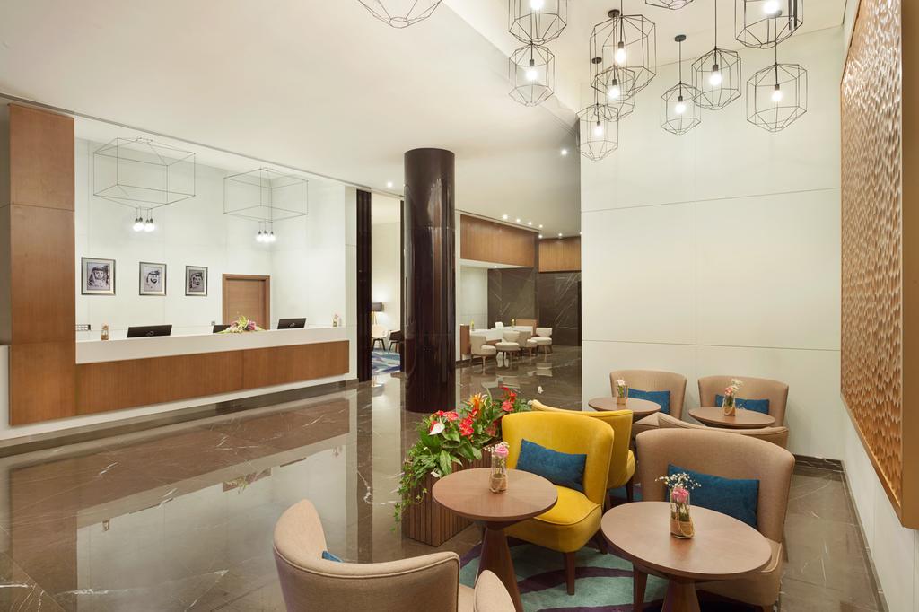 Відпочинок в готелі Wyndham Garden Ajman Corniche