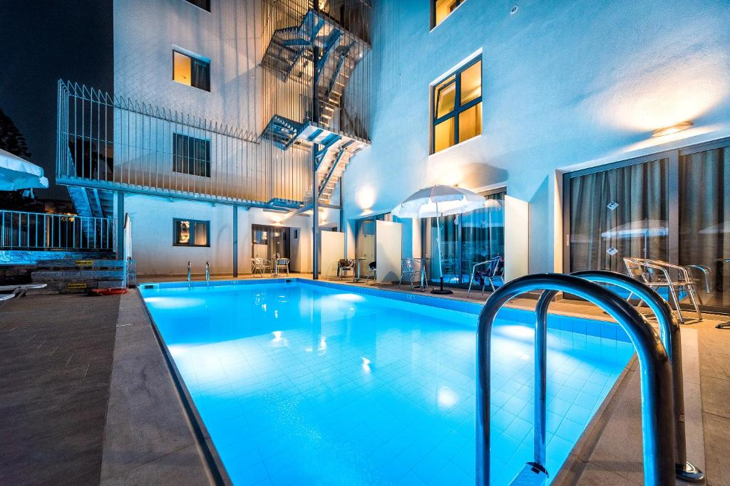 Pollis Hotel Греція ціни