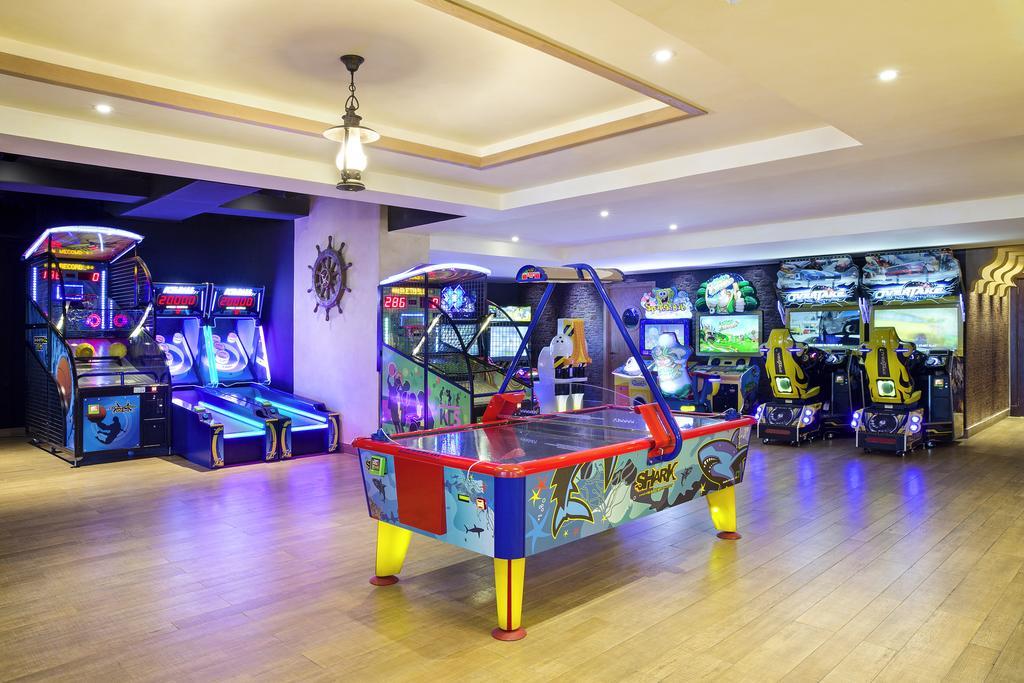 Відпочинок в готелі Marjan Island Resort & Spa