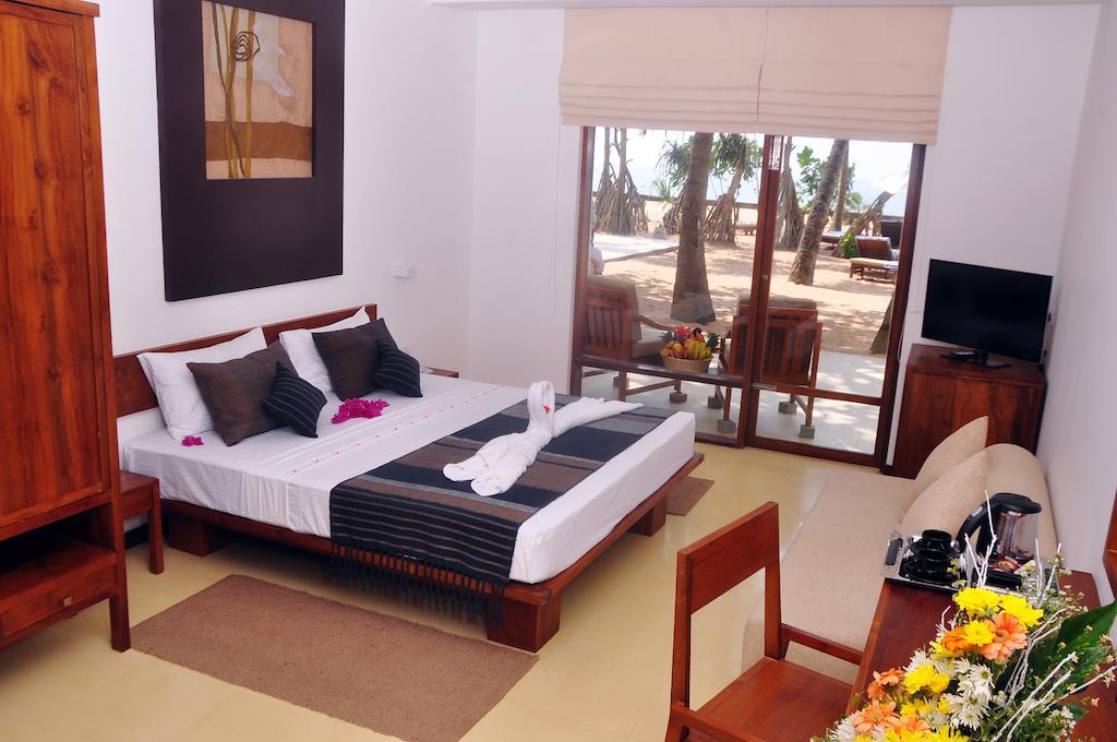 Туры в отель Pandanus Beach Resort Индурува