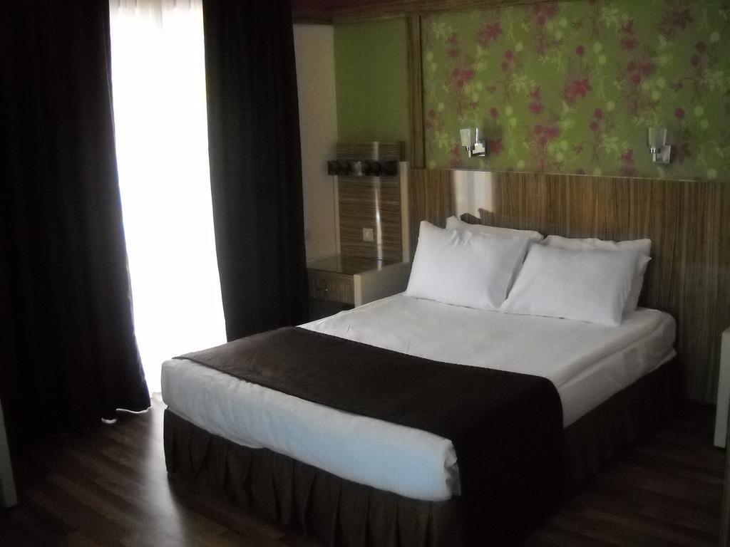 Горящие туры в отель Fame Residence Beach (ex. Fame Residence Park) Кемер Турция