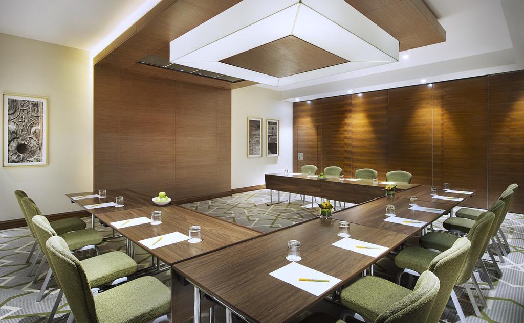 Туры в отель Hilton Garden Inn Dubai Al Muraqabat Дубай (город)