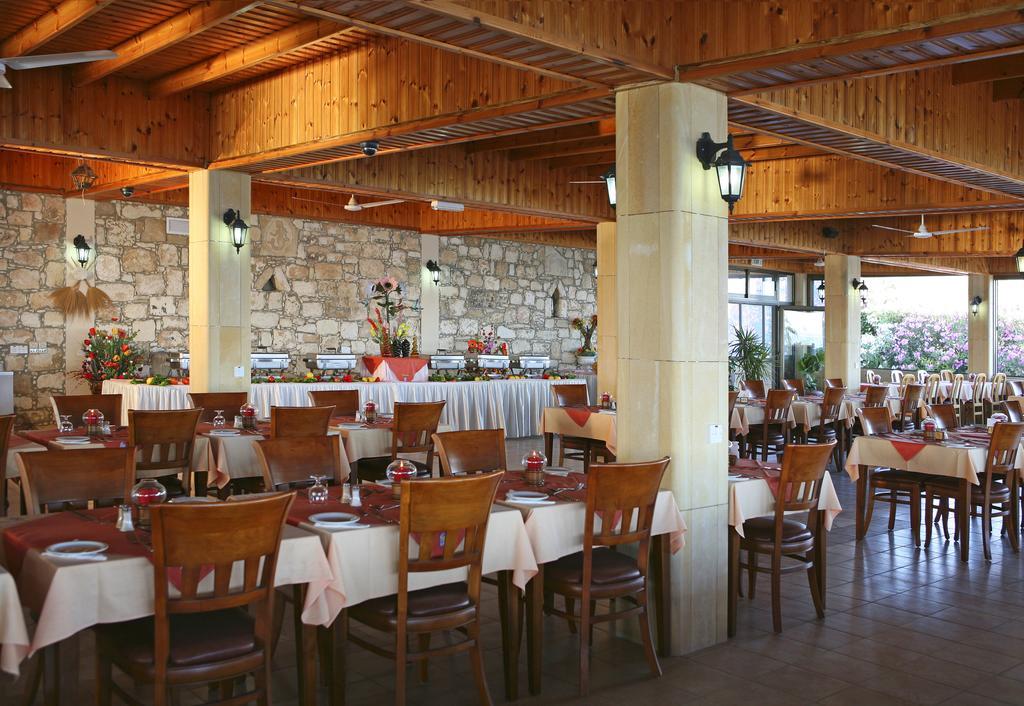 Туры в отель Corallia Beach Hotel Пафос Кипр