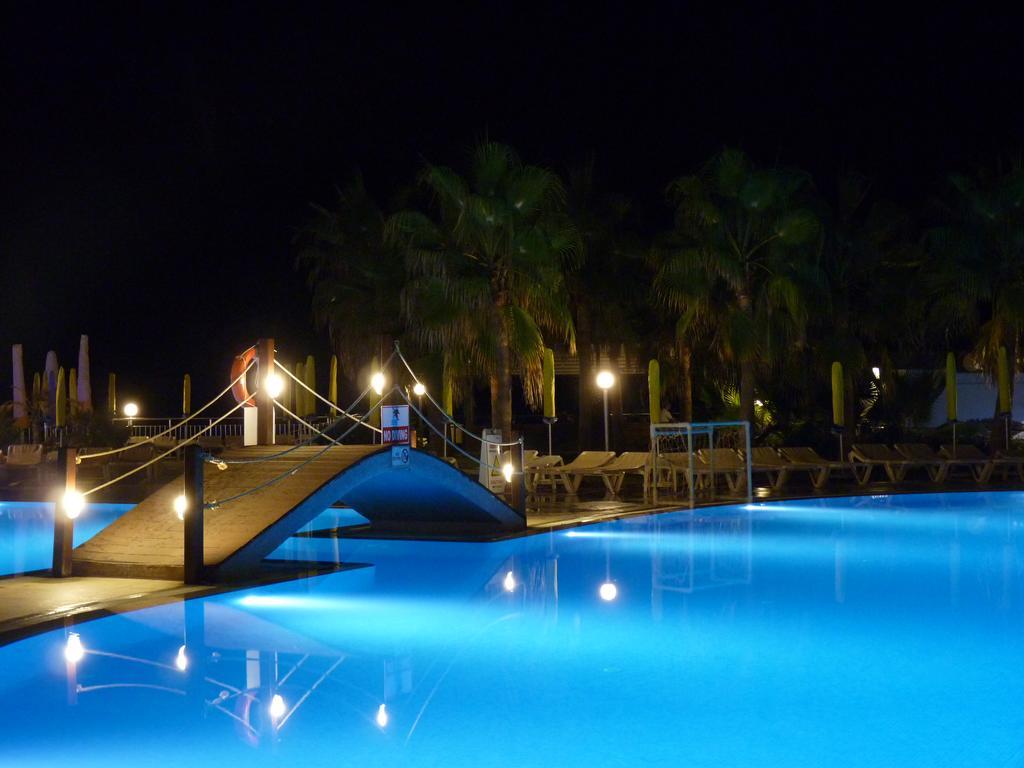 Ціни в готелі Mirador Resort & Spa