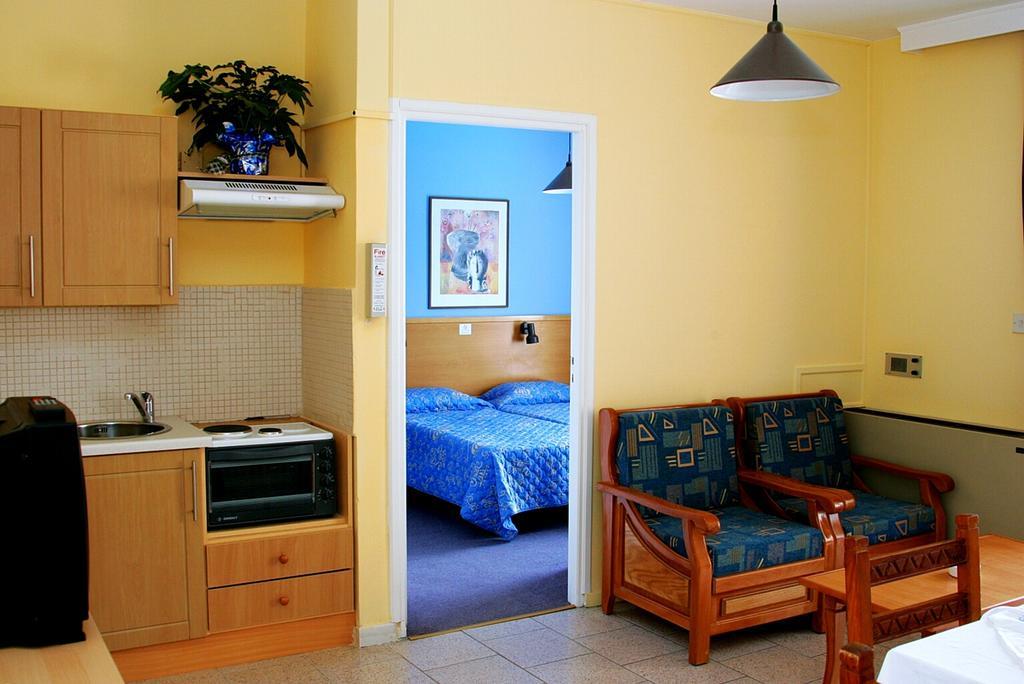 Отзывы об отеле Daphne Hotel Apartments