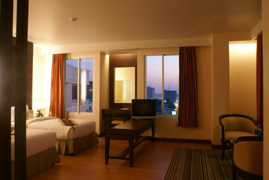 Отзывы гостей отеля Aiyara Palace Hotel