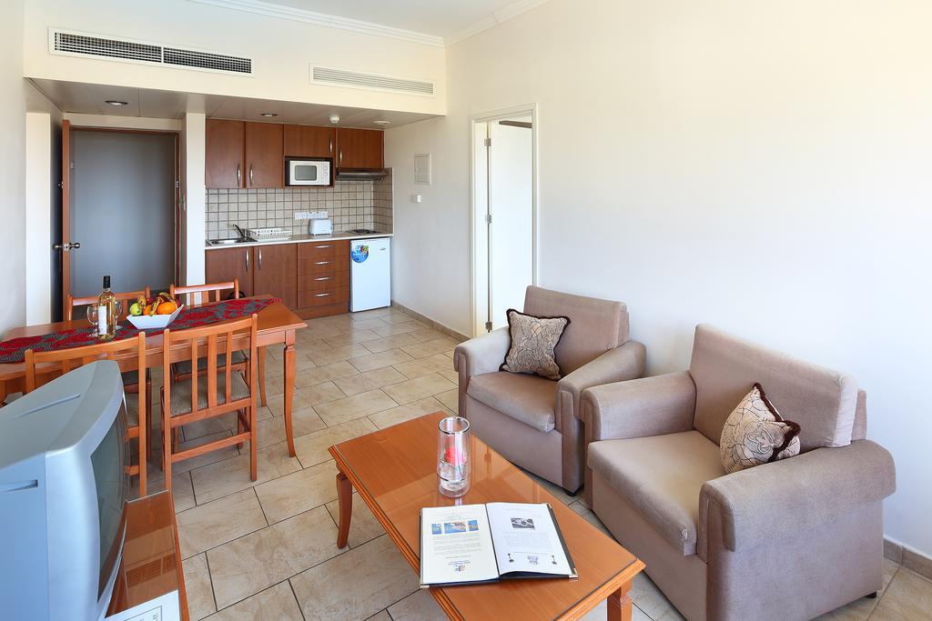 Отзывы об отеле Panareti Coral Bay Hotel
