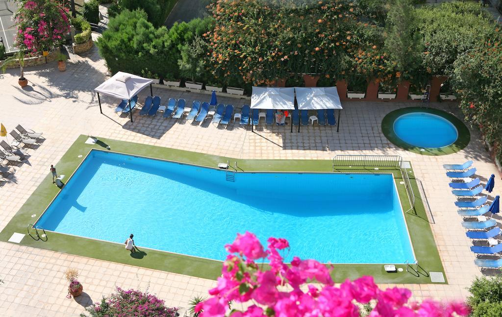 Туры в отель Navarria Hotel Лимассол