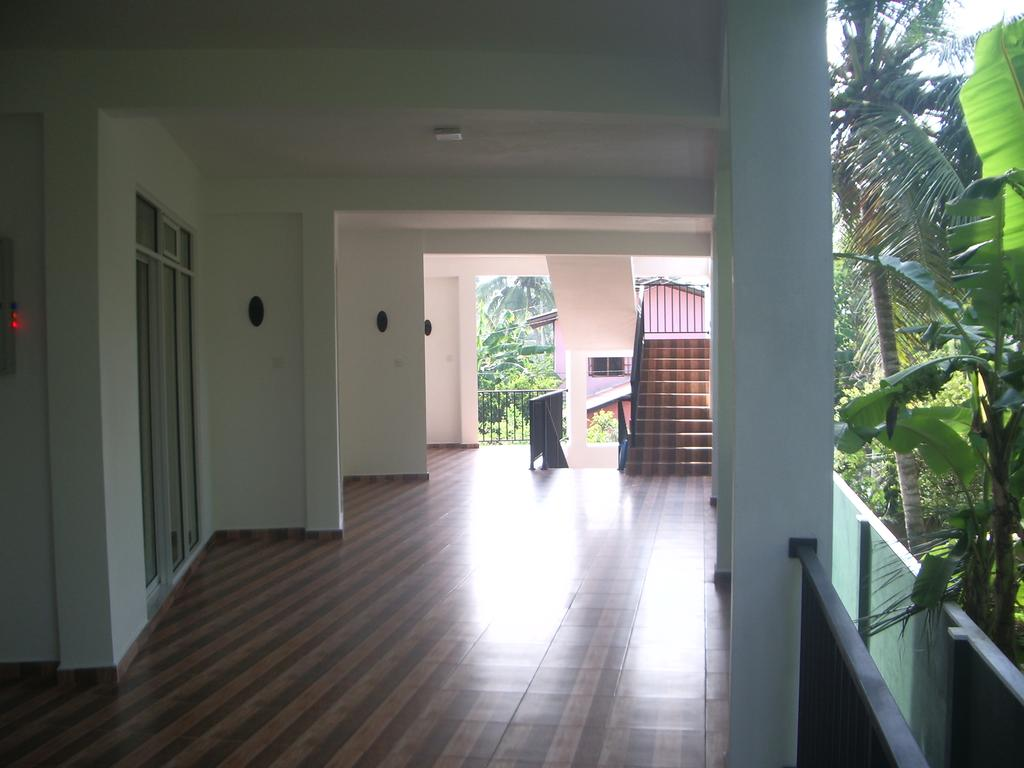 Hotel Diana Hikkaduwa цена