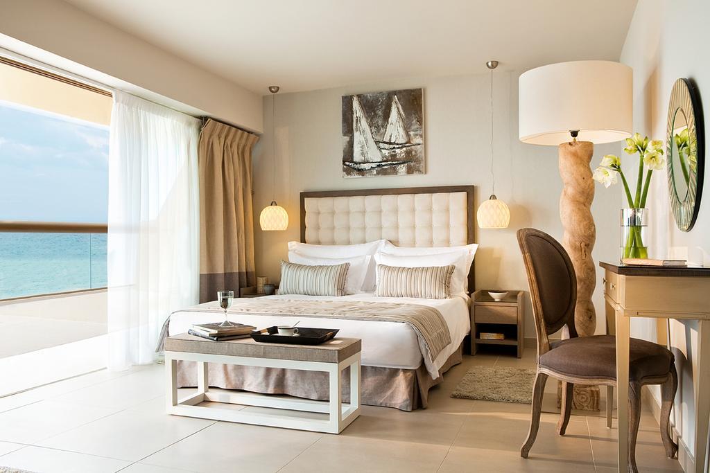 Відгуки про готелі Sani Beach