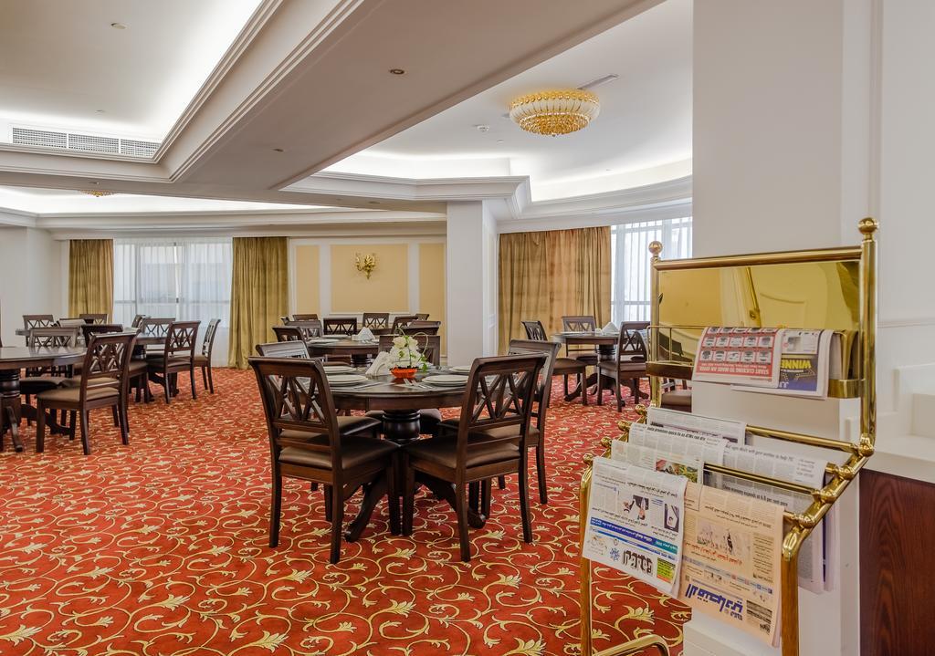 Шарджа, Tulip Inn Al Khan Hotel, 4