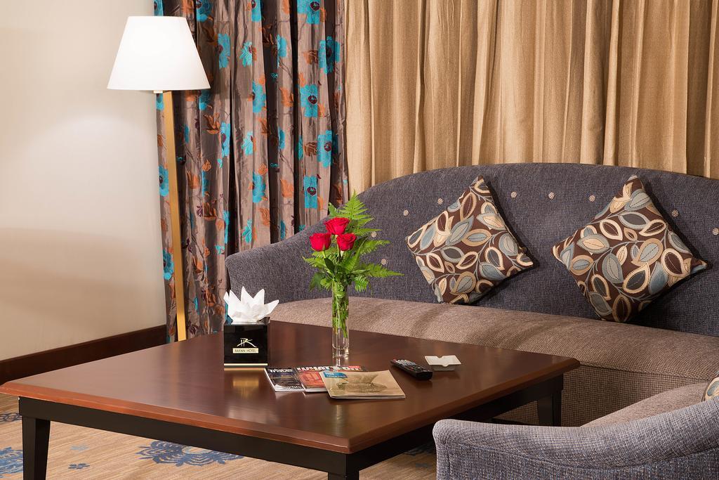 Rayan Hotel, 4