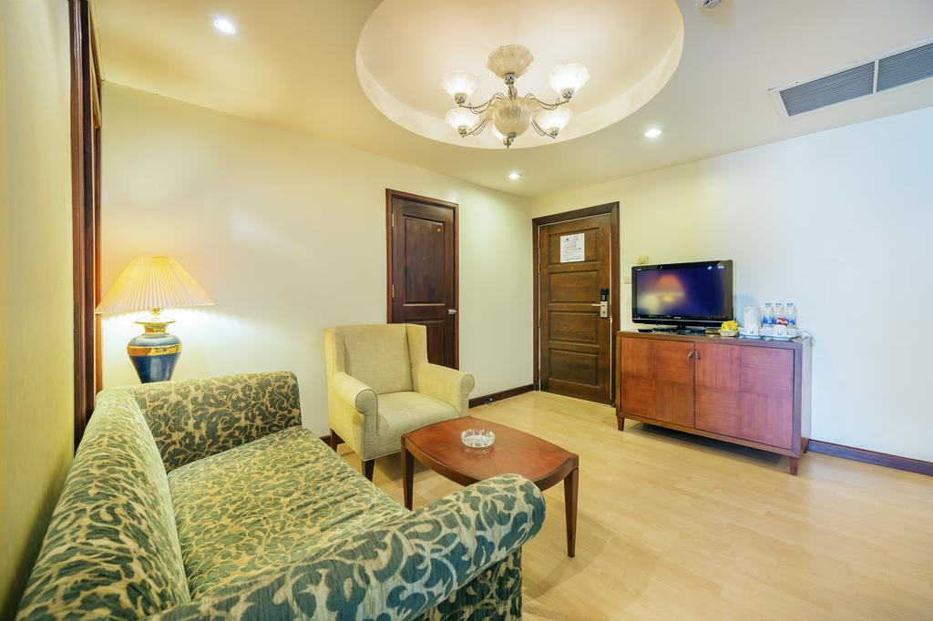 Отель, Jomtien Palm Beach