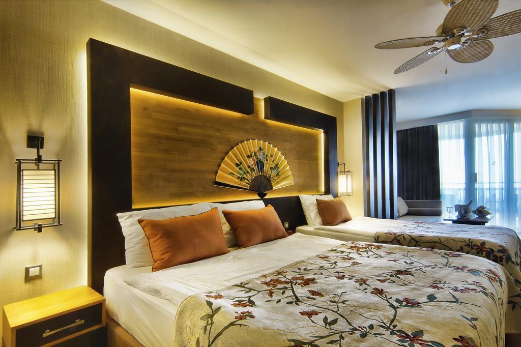 Відгуки гостей готелю Limak Lara De Luxe Hotel & Resort