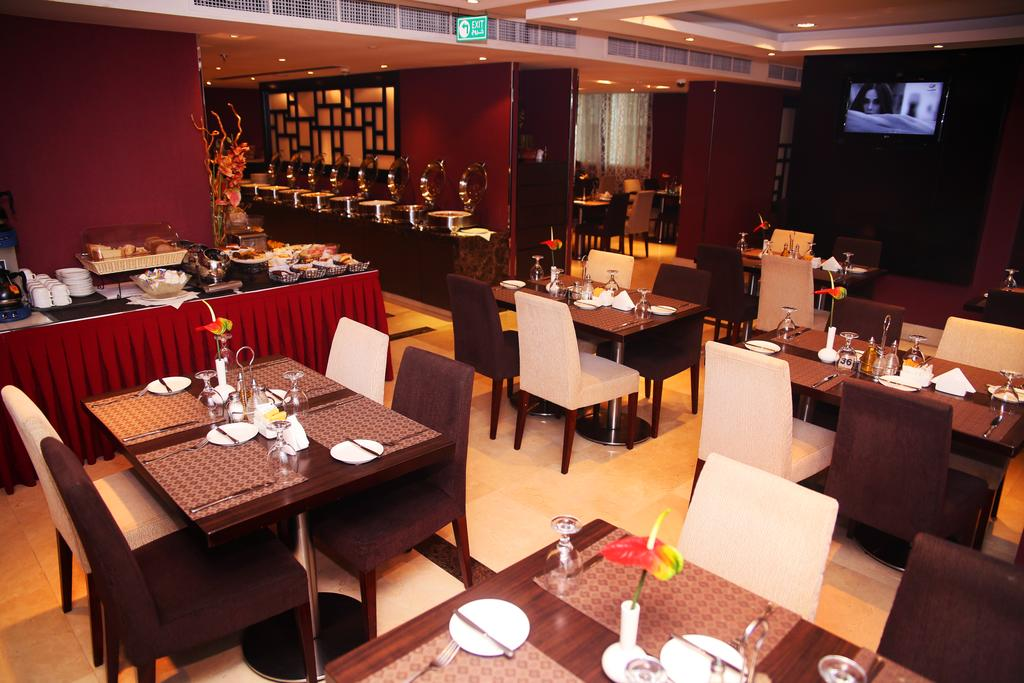 Al Hamra Hotel, фото