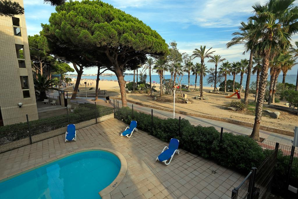 Горящие туры в отель Pins Platja Apartamentos Коста-Дорада Испания