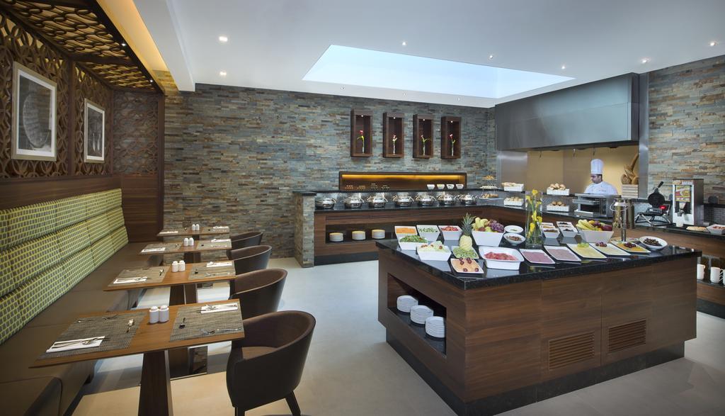 Туры в отель Hilton Garden Inn Dubai Al Muraqabat
