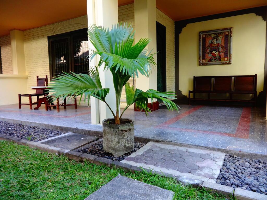 Туры в отель Bali Bungalow Кута Индонезия