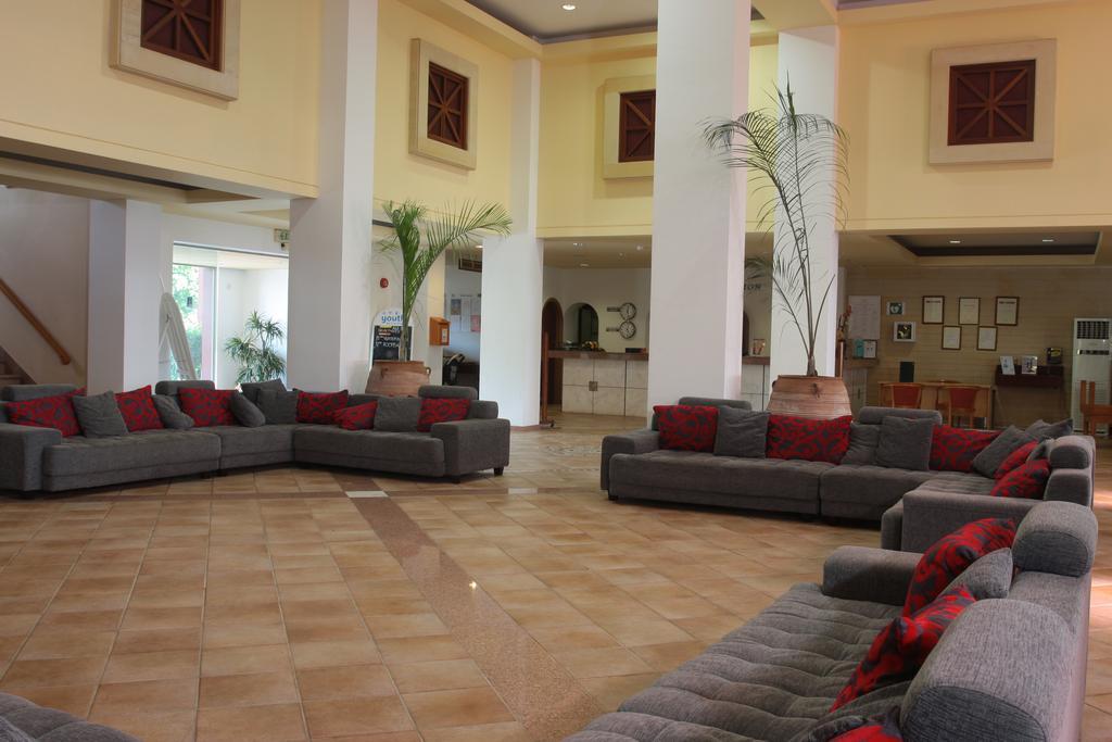 Горящие туры в отель Panthea Holiday Village Айя-Напа Кипр