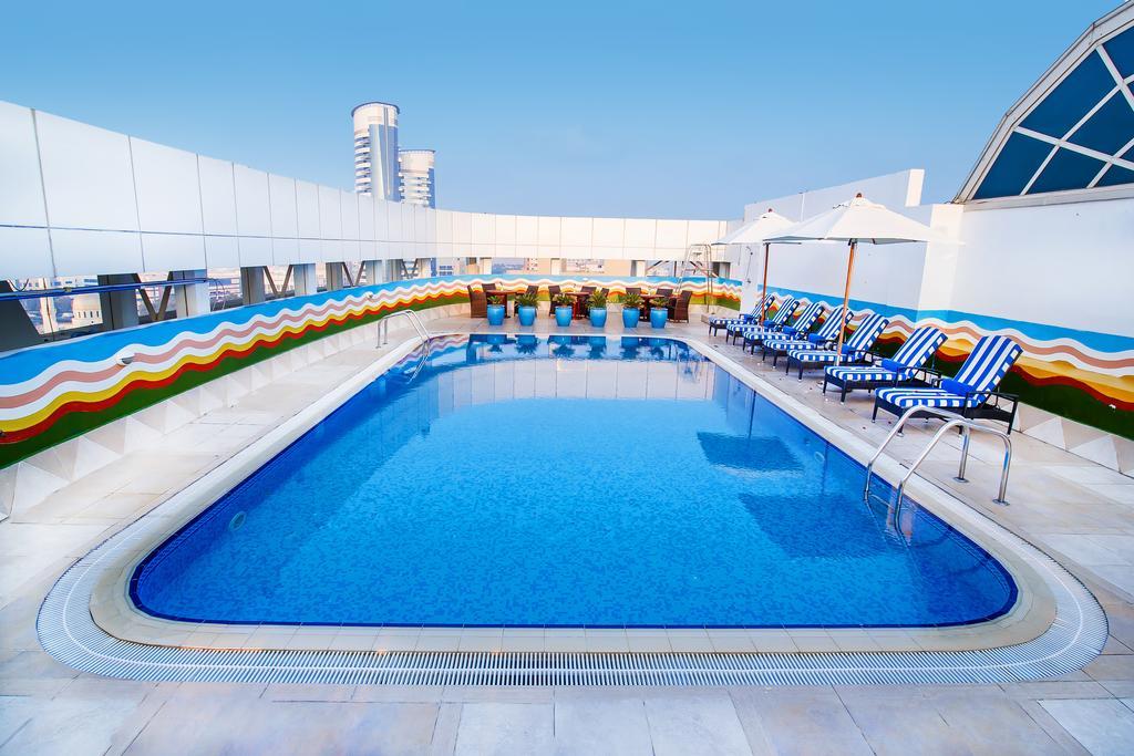 Дубай (місто), Grand Excelsior Hotel Bur Dubai, 4