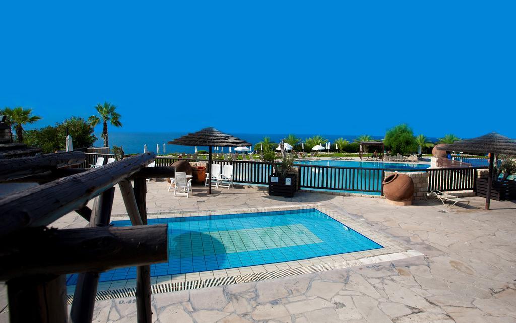 Туры в отель Akteon Holiday Village Пафос Кипр