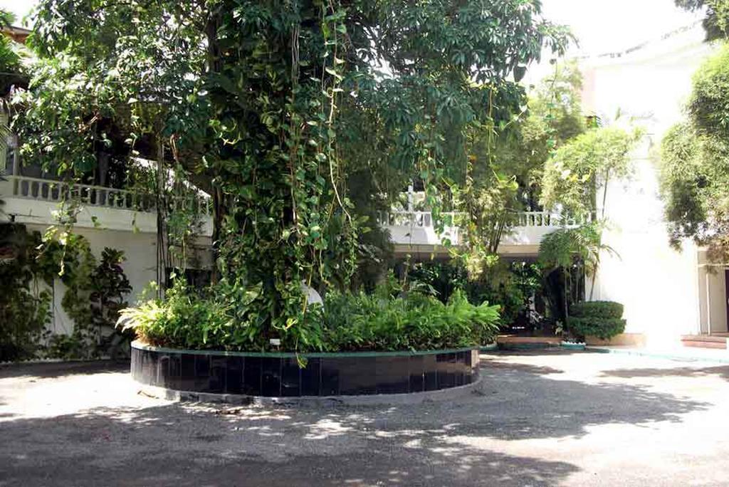 The White Haven Hotel - Panadura (Budget), Ваддува цены