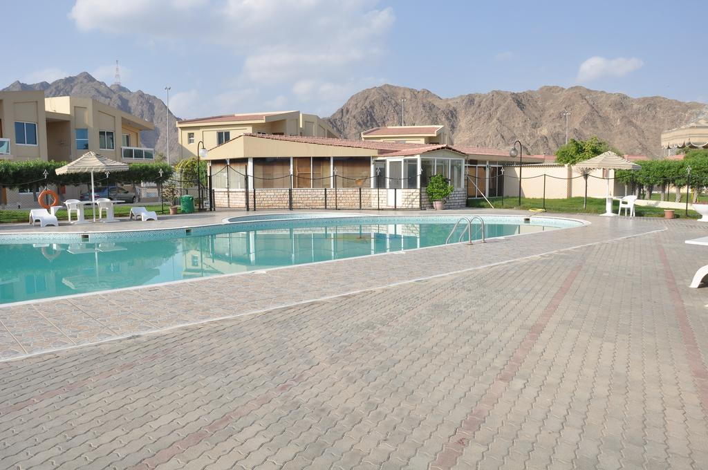 ОАЭ Holiday Beach Resort