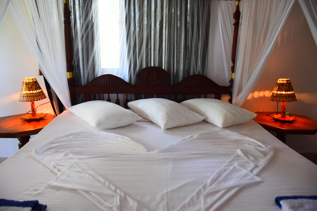Цены в отеле Sea View Deepal Villa