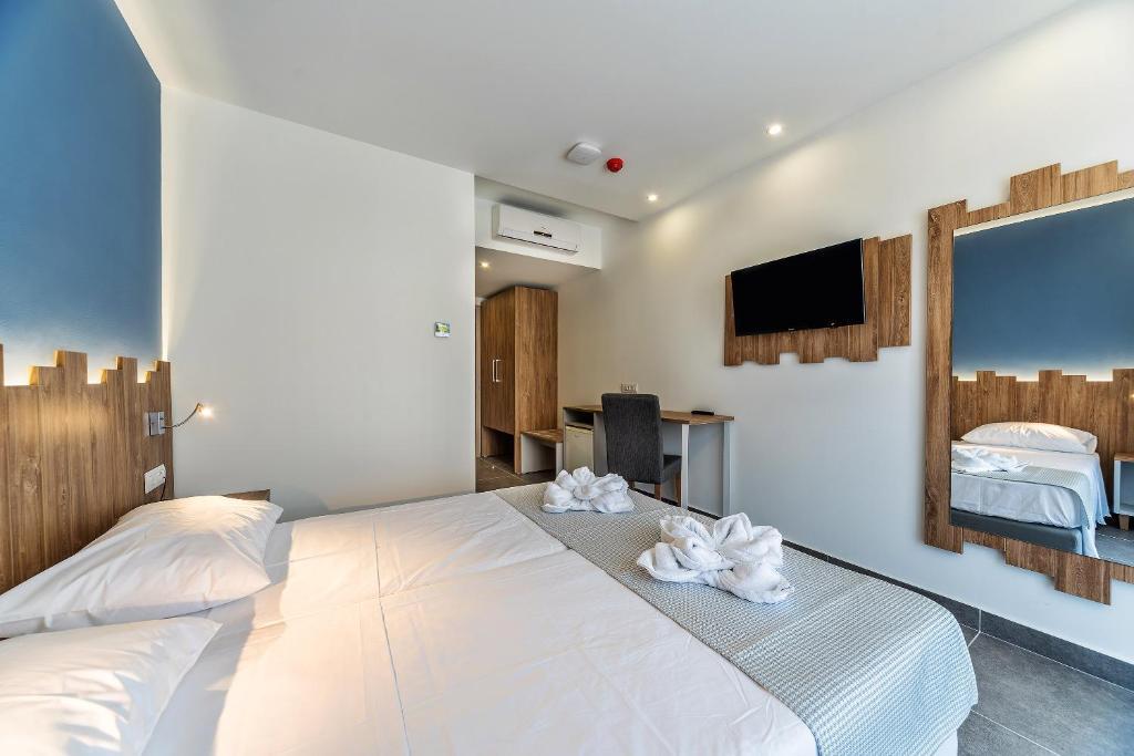 Pollis Hotel, Іракліон ціни