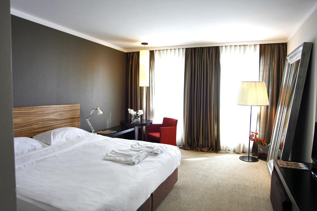 Горящие туры в отель Bentley By Molton Hotels