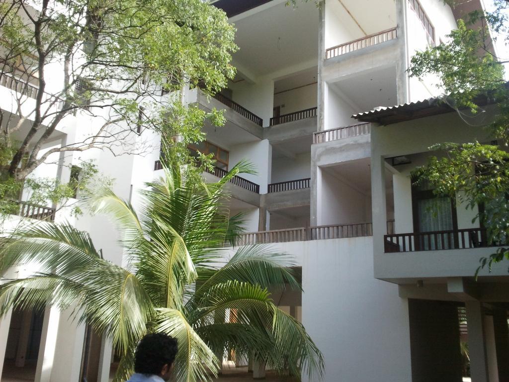 Горящие туры в отель Lagoon Paradise Beach Resort